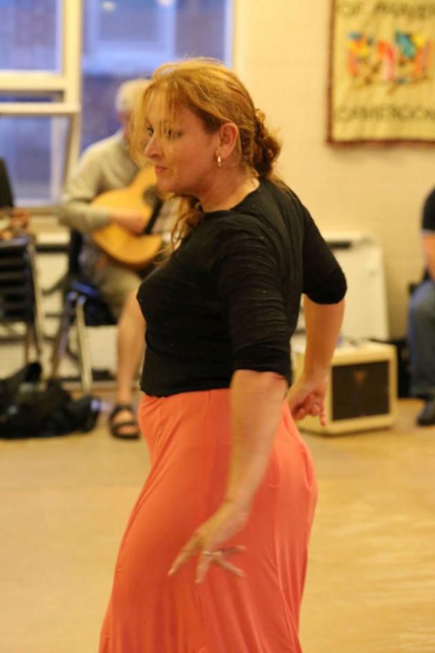 estudio flamenco Carmen teaching
