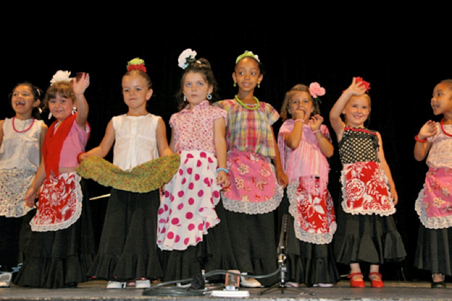 Students from 3 to 5 years old performing at the year-end recital